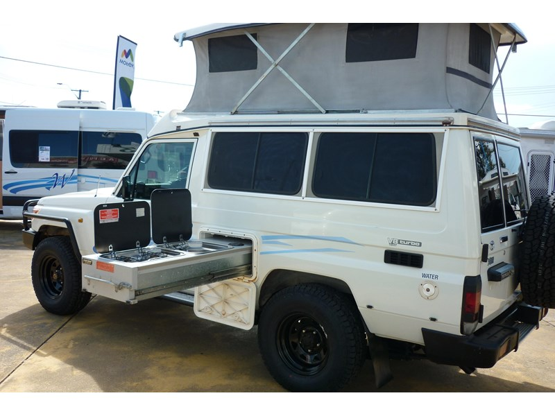 toyota landcruiser challenger pop top 236454 002