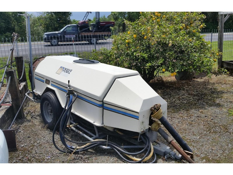 pearce 1600 trailed sprayer 252701 001