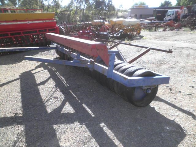 eddington 16' multi tyre roller seeder 256219 002
