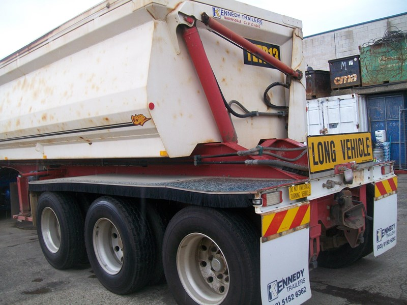 kennedy 3/2012 side tipper 259732 003