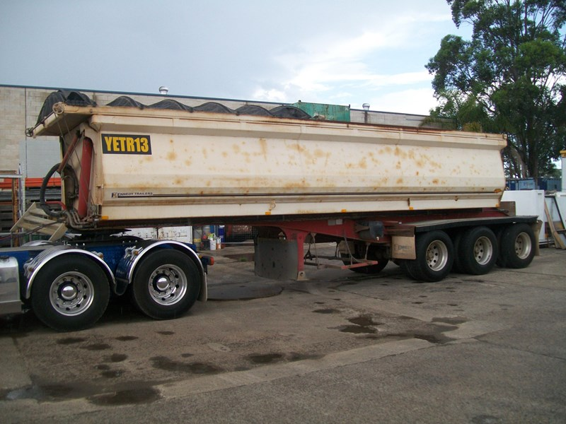 kennedy 3/2012 side tipper 259732 001