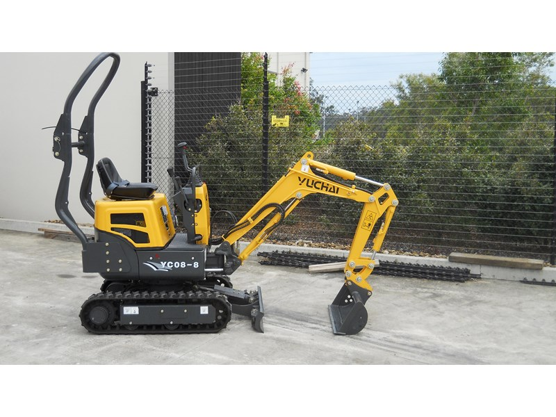 yuchai yc08-8 excavator and trailer combo 275748 004