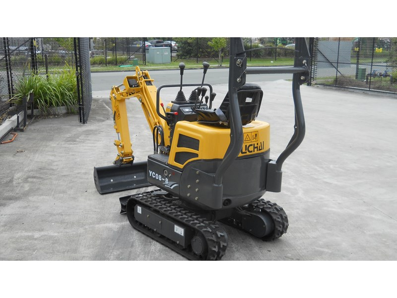 yuchai yc08-8 excavator and trailer combo 275748 005