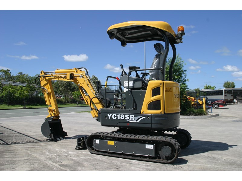 yuchai 1.8ton excavator and trailer combo 275750 004
