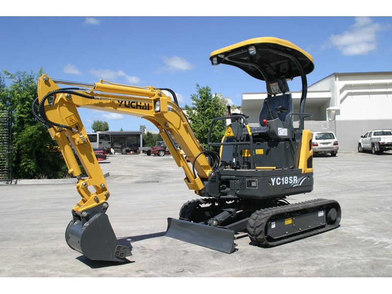 yuchai 1.8ton excavator and trailer combo 275750 006
