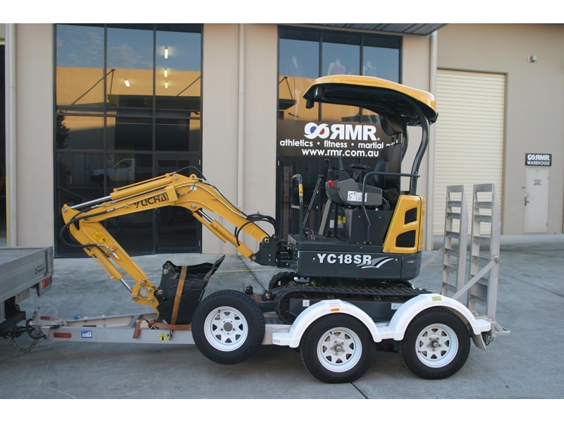 yuchai 1.8ton excavator and trailer combo 275750 011