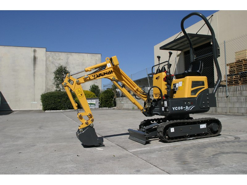yuchai yc08-8 excavator and trailer combo 275748 008