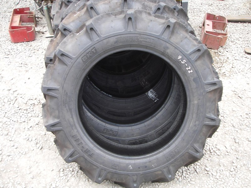 various tyres 9.5 x 22 (new) 278137 008