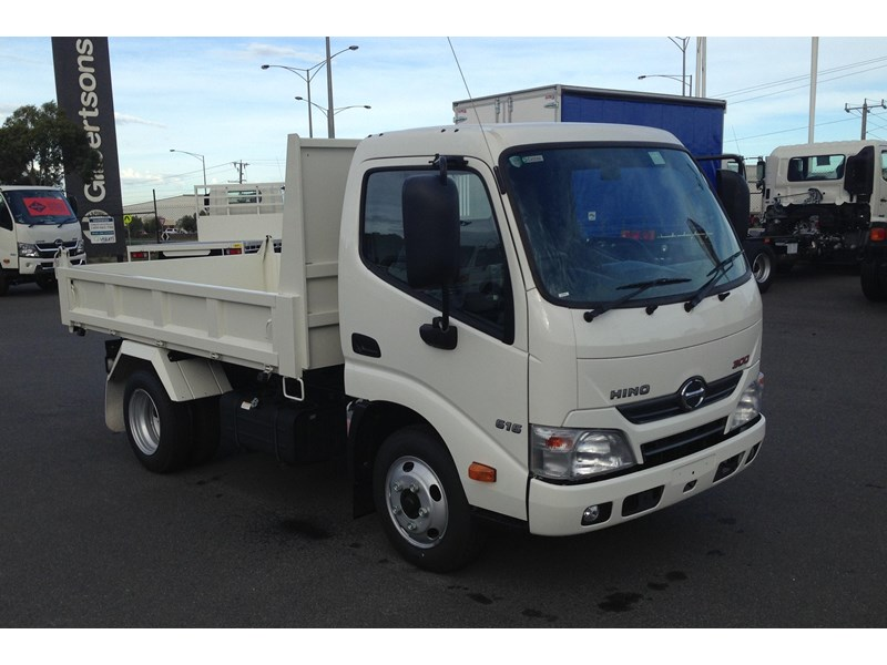 hino 300 series - 616 ifs short auto factory tipper 277787 001