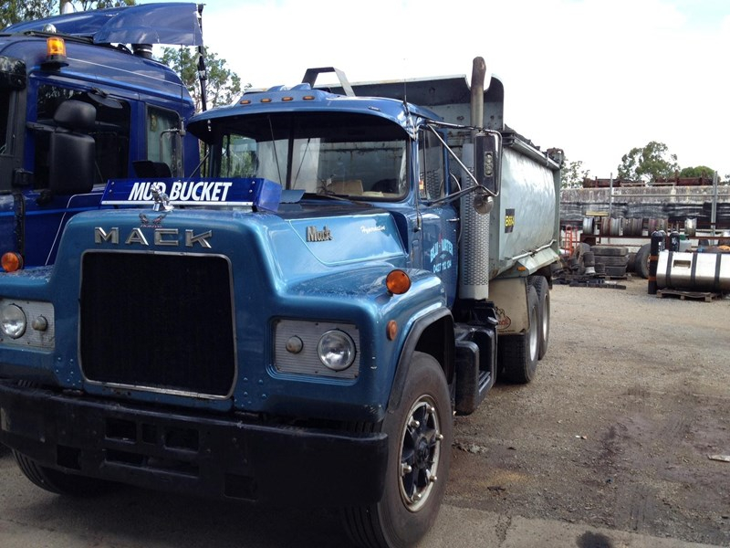 mack r600 tipper 278661 001