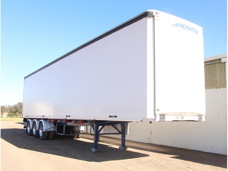 freighter 45ft auto hold curtainsider trailer 283052 002