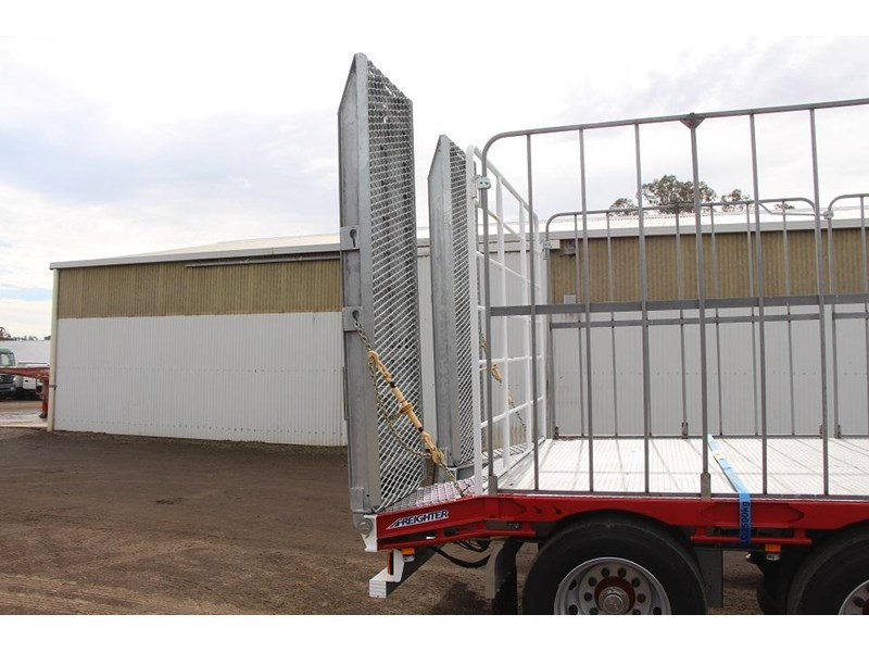 freighter 45ft drop deck trailer with rear hydraulic ramps 283022 017