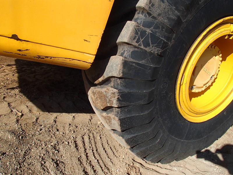 volvo a30d 284446 006
