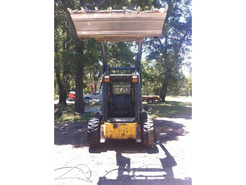 new holland ls 170 skid steer 285174 001