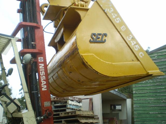 singapore engineering suit 40 tonner 289741 003