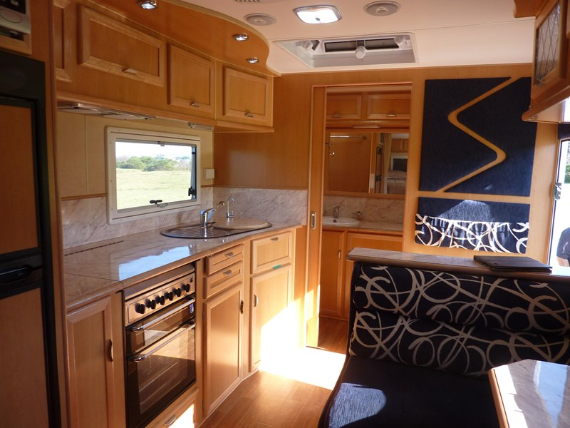 river caravans dominator xl 291789 007