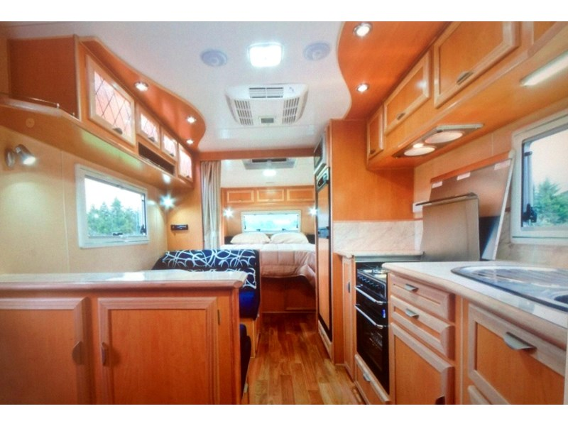 river caravans dominator xl 291789 002