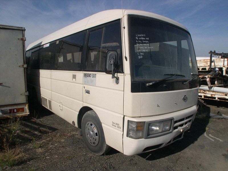 nissan civilian bus 295840 002