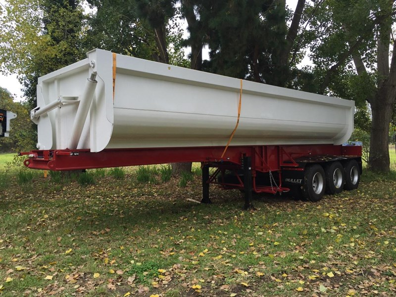 bullet tri axle side tipper 297037 006