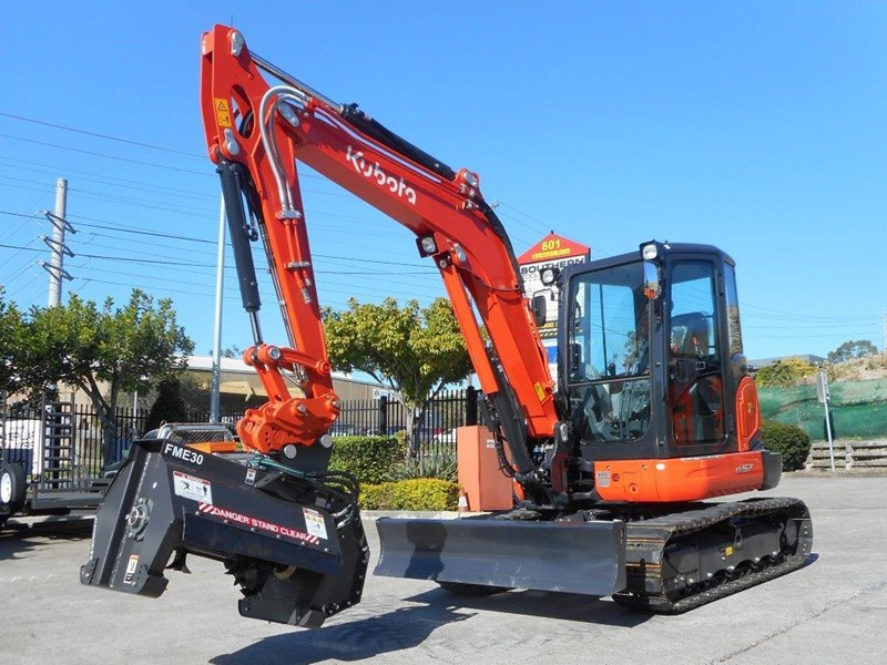 kubota u57 5.5t excavator kx57 kx057 fitted with 724mm flail mower [attslash][attmulch][machkubo] 297376 002