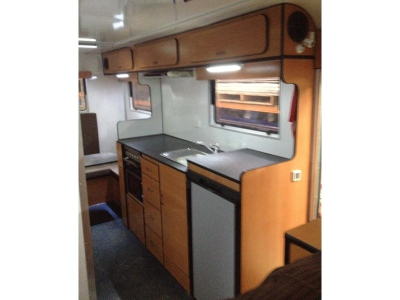 custom built 6.8 camper 298108 003