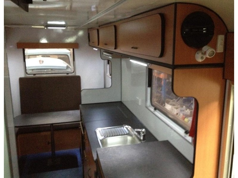 custom built 6.8 camper 298108 004