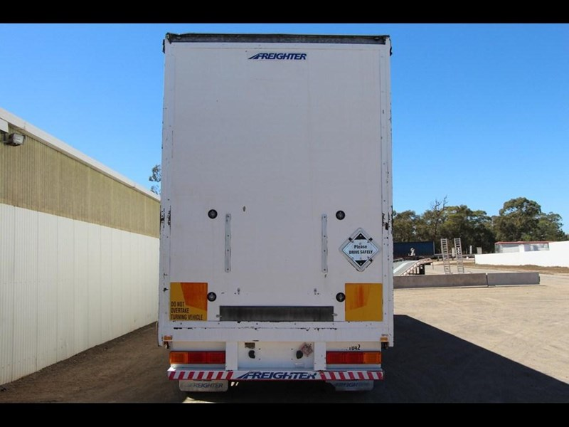 maxitrans 45ft refrigerated drop deck curtainsider trailer 298305 006