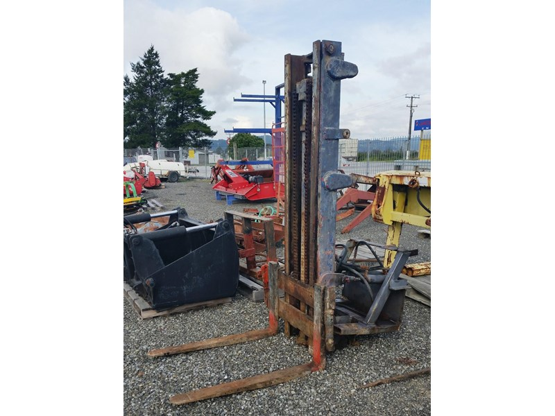 unknown forklift for rear of tractor 298226 002