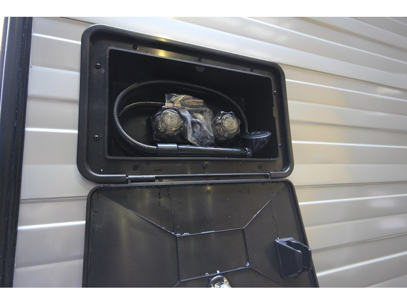 westernport caravans flawless 21' - off road 299450 012