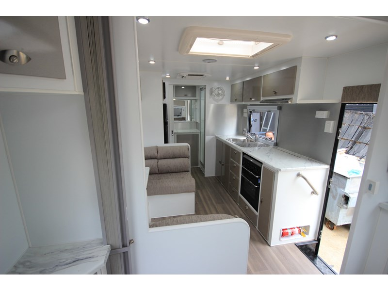 westernport caravans flawless 21' - off road 299450 020