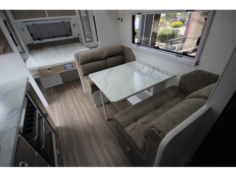 westernport caravans flawless 21' - off road 299450 025