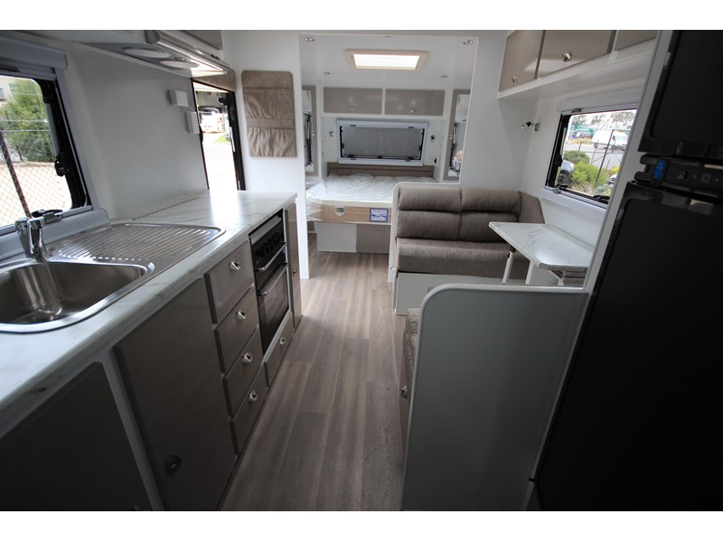 westernport caravans flawless 21' - off road 299450 028