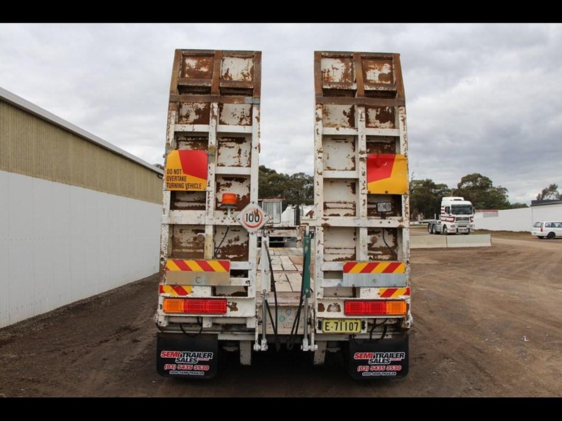 brentwood 4 x 4 low loader semi trailer 300233 010