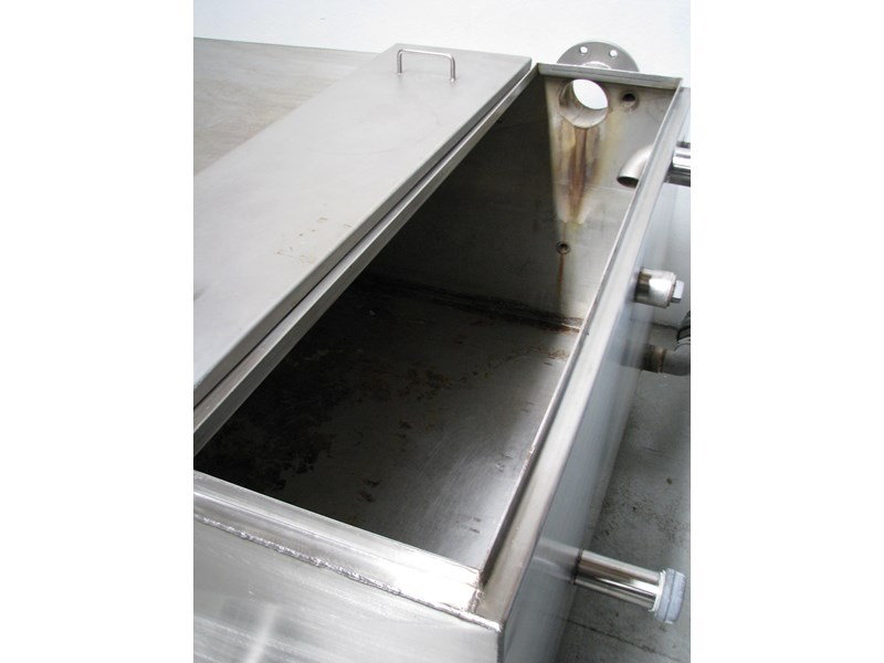 fabricated stainless steel tank 1550l 302605 006