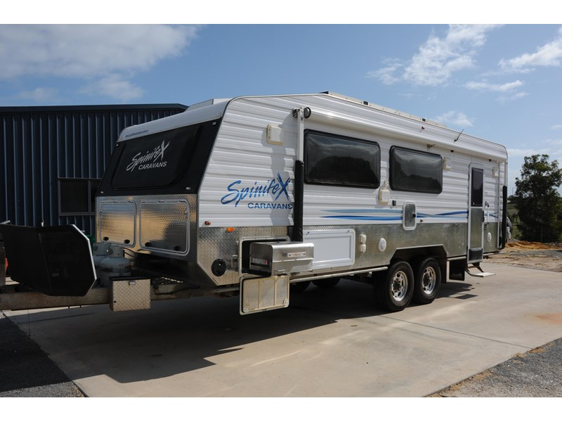 spinifex caravans off road 304020 001