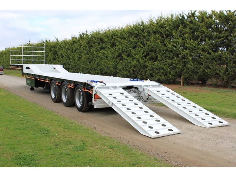 bullet machinery drop deck with ramps 292104 015