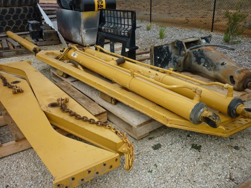 caterpillar 740 dump body lift cylinders 305322 013