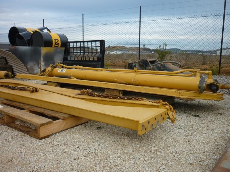 caterpillar 740 dump body lift cylinders 305322 014
