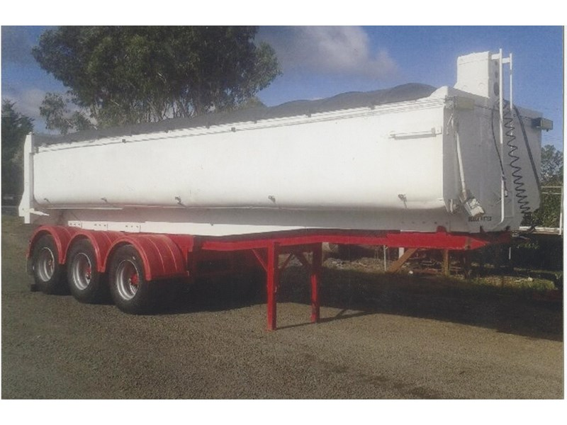 freighter tri axle chassis tipper 306160 001