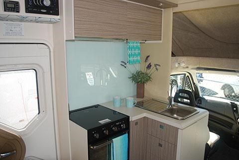 sunliner holiday luxury motorhome 306049 004