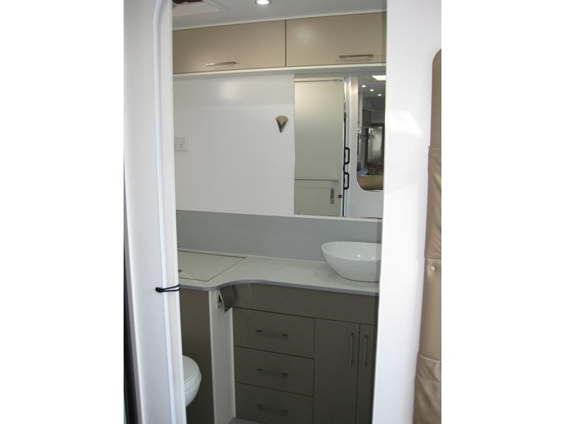 new age oz classic 22ft ensuite 306014 008