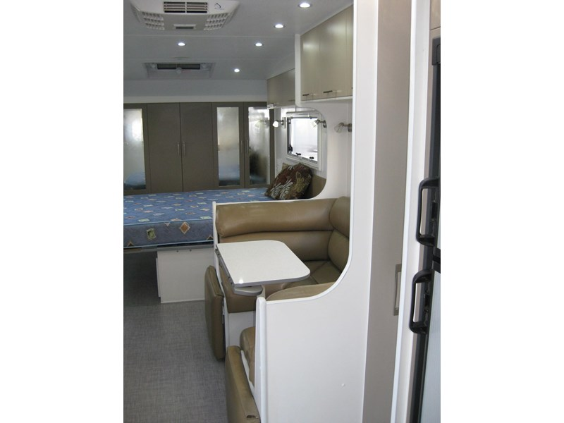 new age oz classic 22ft ensuite 306014 012