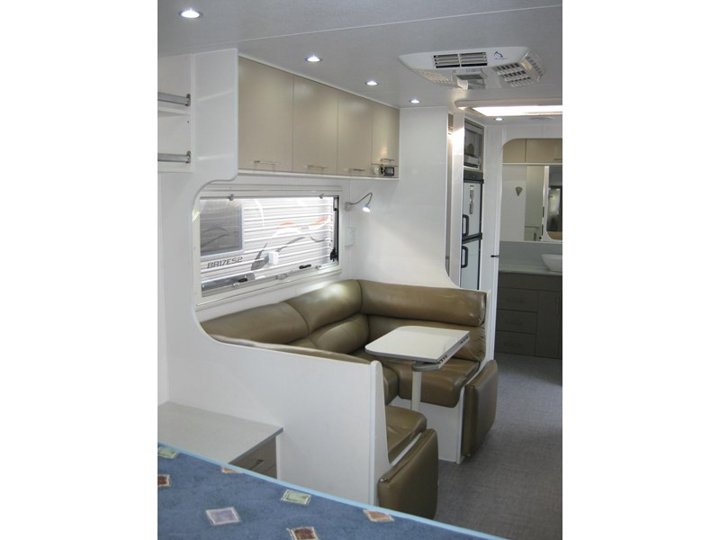 new age oz classic 22ft ensuite 306014 002