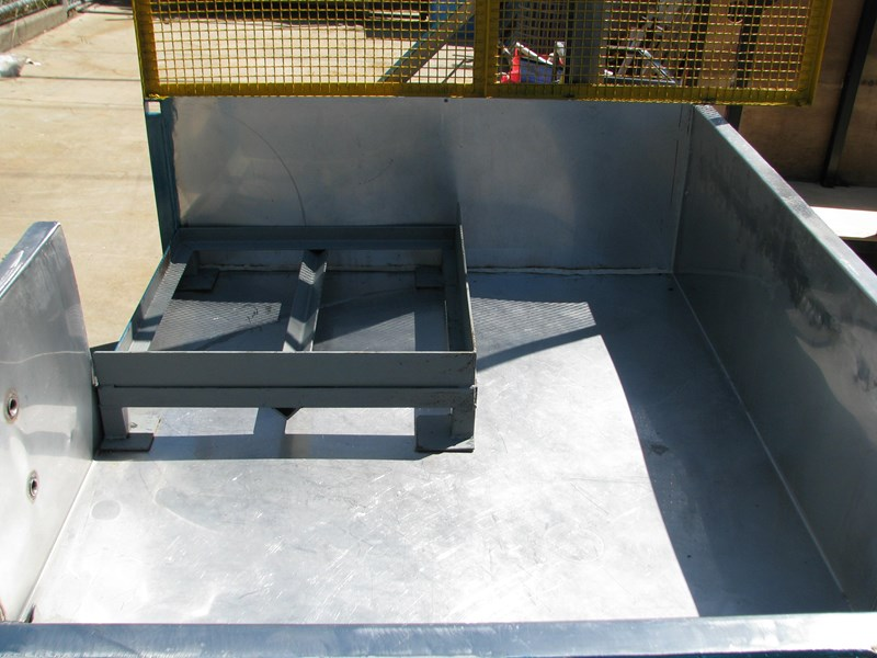 industrial hazardous spill tray containment 309751 003