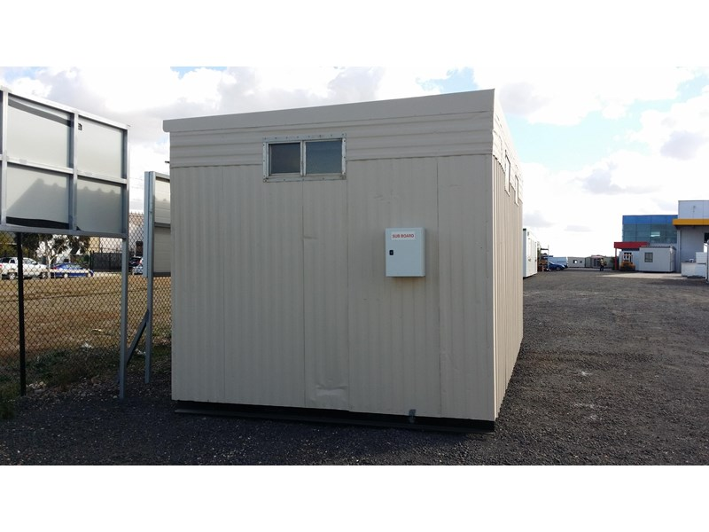 mcgregor 5.5m x 3.3m  toilet block 313378 002