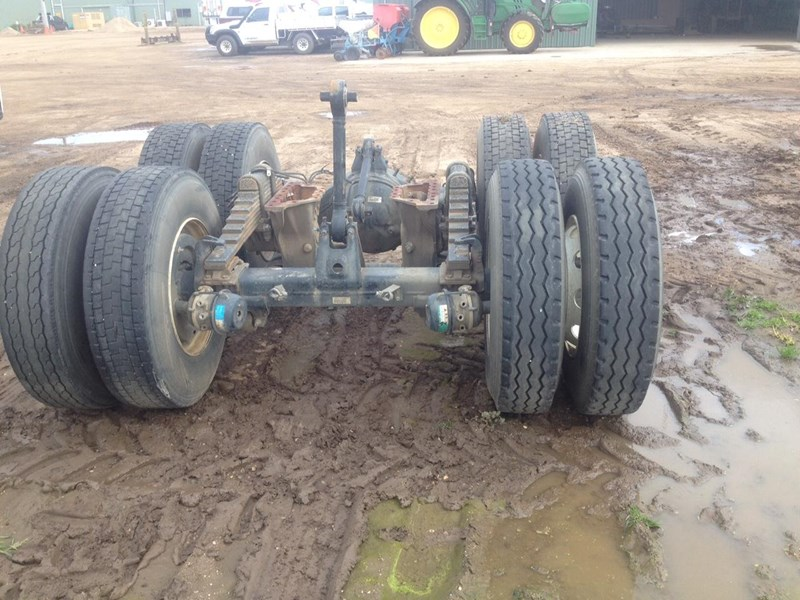 isuzu 1400 axles 313676 001