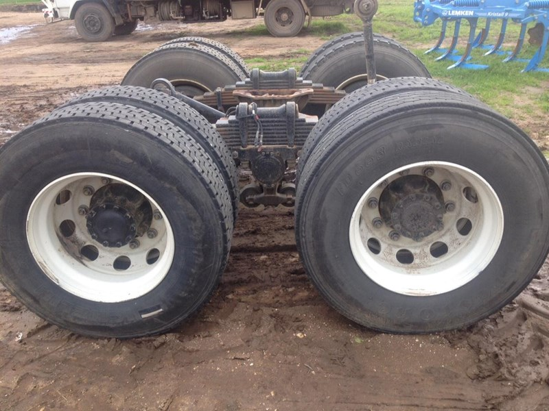 isuzu 1400 axles 313676 002