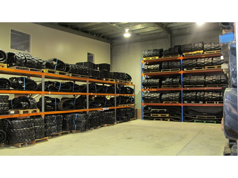 mainline rubber tracks & pads for all types of excavators & dumpers 132967 002