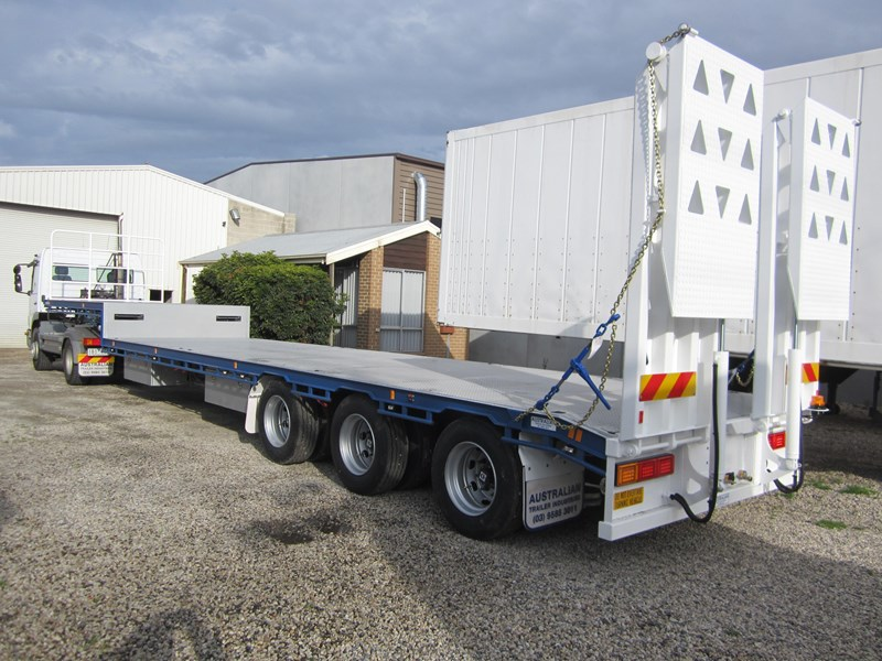 ati drop deck with bi-fold ramps 15763 003