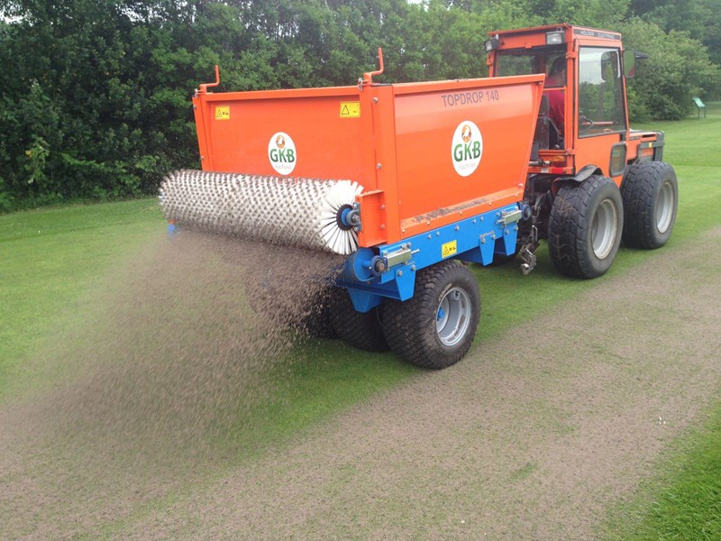 yard and topdresser to dresser cubic topdressers top turftime tt product advantage equipment